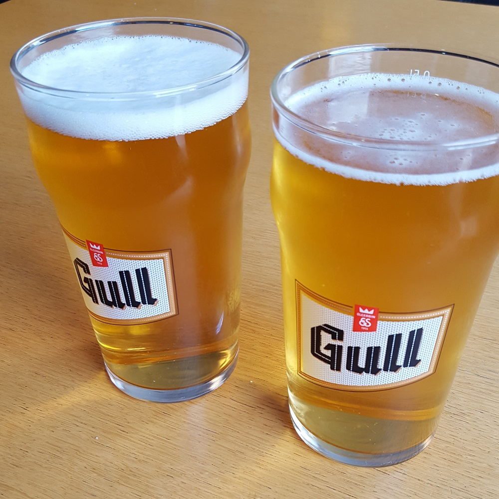 Biertje van de tap Gull in IJsland