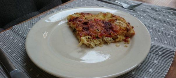 Bodemloze quiche met courgette, chorizo, puntpaprika en ui