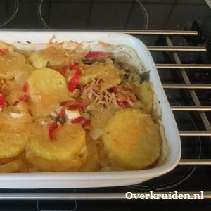 Aardappelgratin met prei, zoete puntparika en spekreepjes