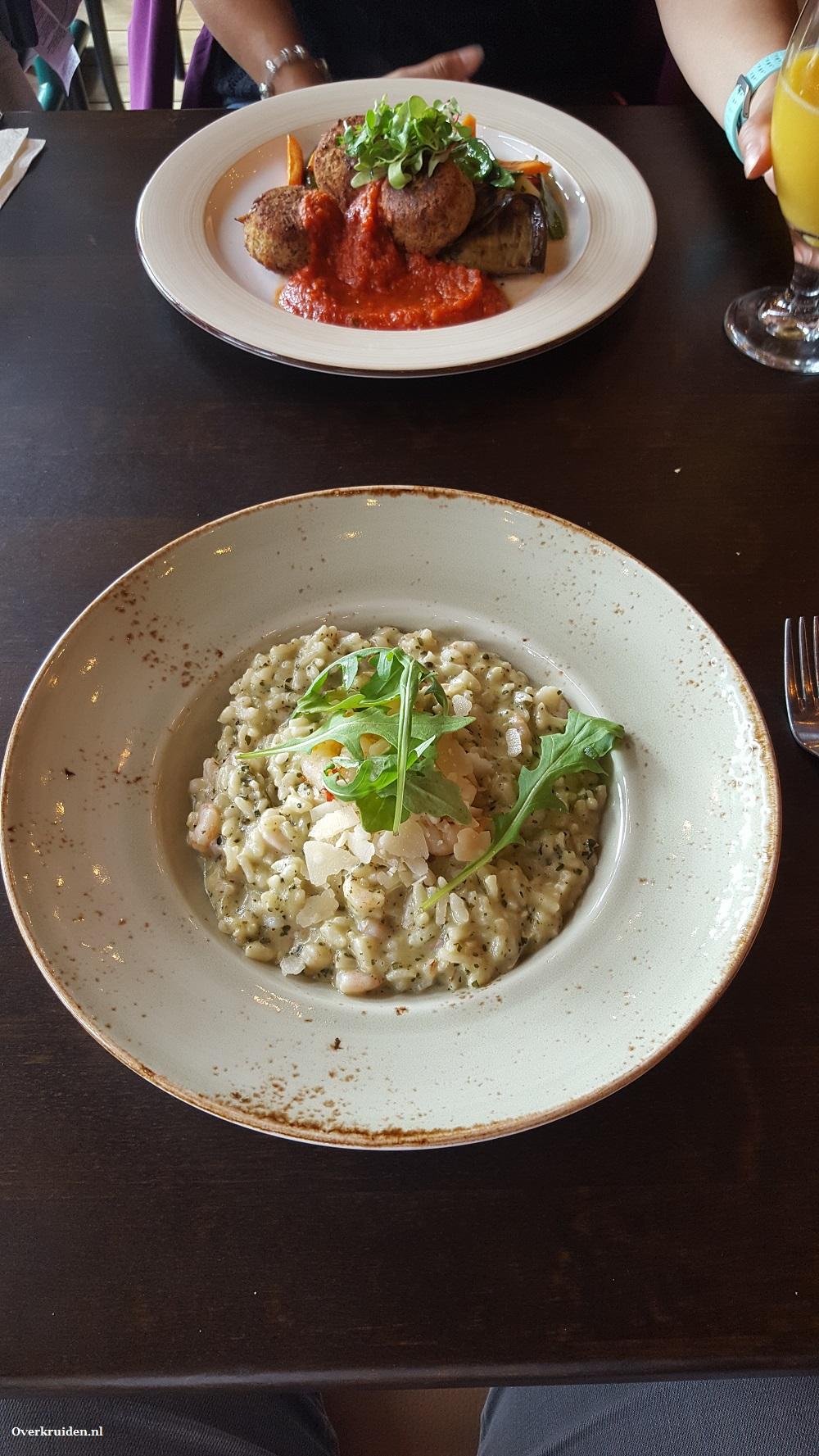 Italiaans eten bij restaurant Rosso in Imatra, Finland