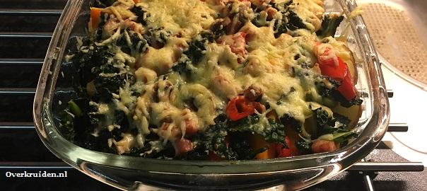 Ovenschotel met aardappels, palmkool, pompoen, champignons, ham en creme fraiche