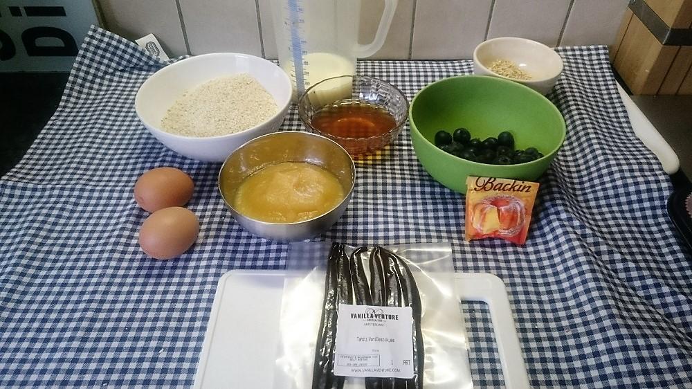 Benodigdheden voor de muffins met vanille en blauwe bessen